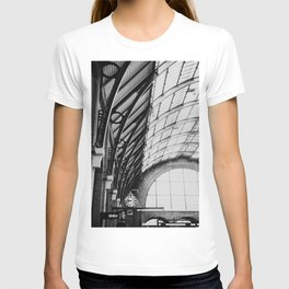 Kings Cross Station, London T-shirt