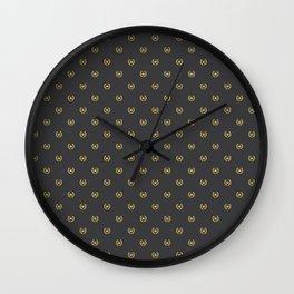 Laurel Leaf Pattern Wall Clock