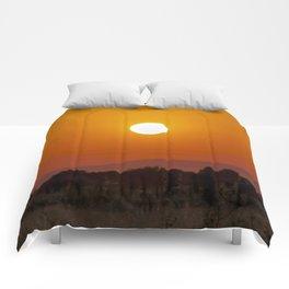 Atardecer 1 Comforters