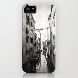 vivacità {b&w iPhone Case