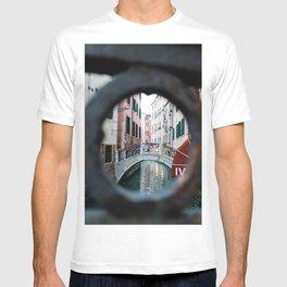 Peepthrough T-shirt