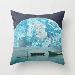 Clair de terre Throw Pillow