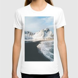 Iceland Mountain Beach - Landscape Photography T-shirt