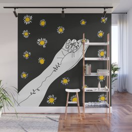 Miss Daisies in black Wall Mural