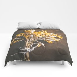 A Bunch Of Daffodils Comforters