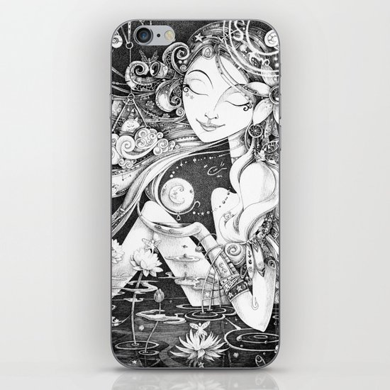 Ma Bella Luna iPhone & iPod Skin