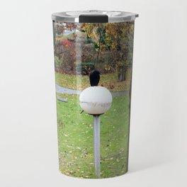 Le globe du corbeau. Travel Mug