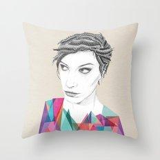 Beauté rageuse Throw Pillow