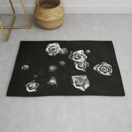 Roses in black and white Rug