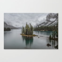 Landscape Maligne Lake Photography | Alberta | Canada Canvas Print