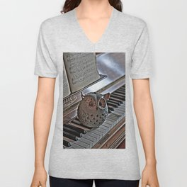 the pianos Owl HDR Unisex V-Neck