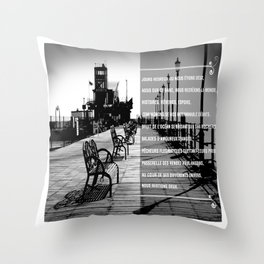 Jours heureux (happy days)  Throw Pillow