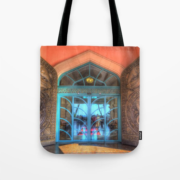 Atlantis Palm Hotel Dubai Tote Bag By Davidpyatt Society6