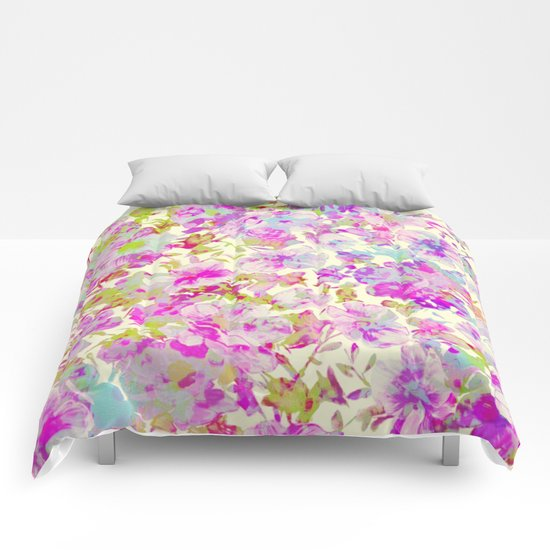 pretty flowers Comforters