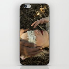 Qu'ils mangent de la brioche I - Marie Antoinette iPhone Skin