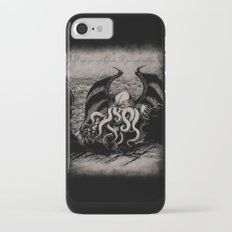 The Rise of Great Cthulhu iPhone 7 Slim Case
