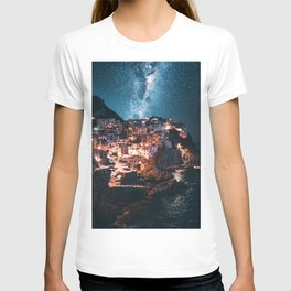 manarola at night T-shirt