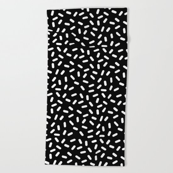 Bingo - black and white sprinkle retro modern pattern print monochromatic trendy hipster 80s style Beach Towel