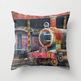 gran machina Throw Pillow