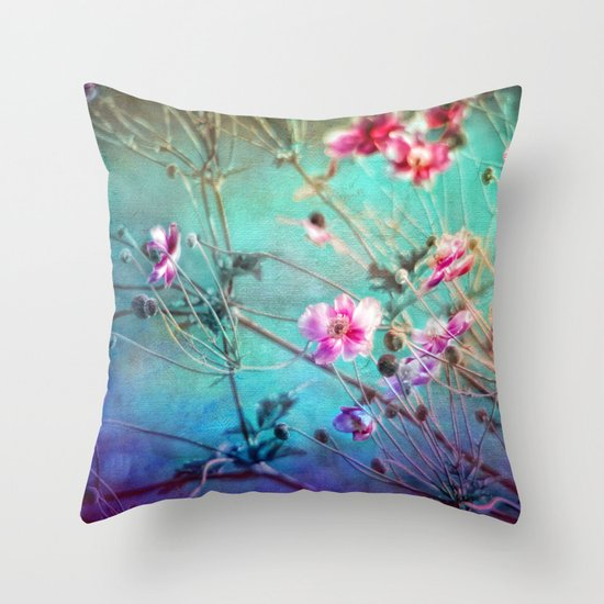 FLEURS DU PRÉ III - Wildflowers in painterly style Throw Pillow