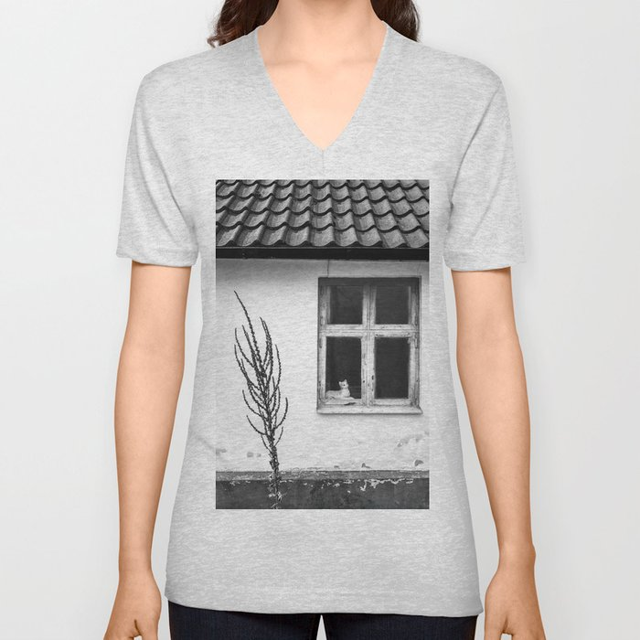Cat in the window Unisex V-Neck