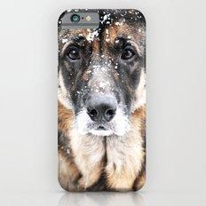 GERMAN SHEPHERD IN THE SNOW Slim Case iPhone 6s