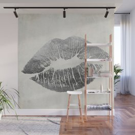 Hollywood Kiss Silver Wall Mural