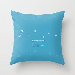 #1couplesur6 bleu Throw Pillow