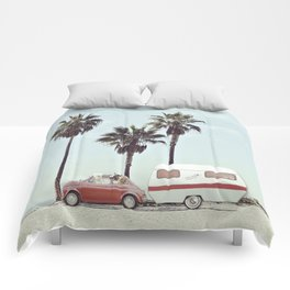 NEVER STOP EXPLORING - CAMPING PALM BEACH Comforters