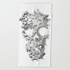 Simple Skull Beach Towel