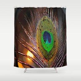 Pfau Licht Shower Curtain