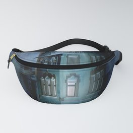 birds over the haunted house Fanny Pack