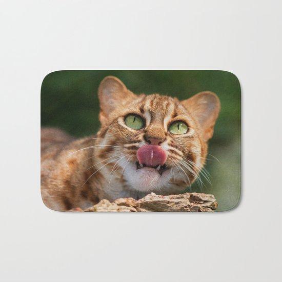 RUSTY SPOTTED CAT LICK Bath Mat