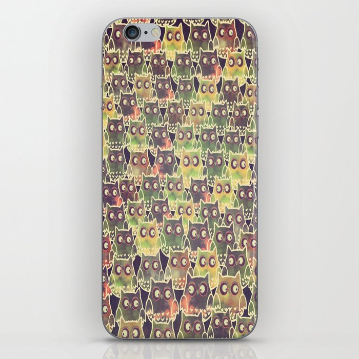 owl-83 iPhone Skin