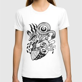 HEARTHOLOGY T-shirt