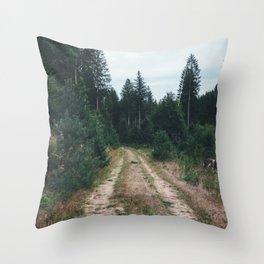 Combien de temps pour t'oublier? XII Throw Pillow