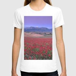 Big Fields Of Poppies. At Purple Sunset. Sierra Arana And Sierra Nevada T-shirt