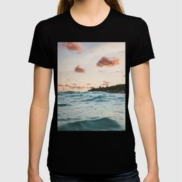 Waves at the sunset T-shirt