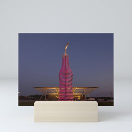 Pops Restaurant on Route 66 in Arcadia Oklahoma This sculptural take on a soda bottle and straw soar Mini Art Print