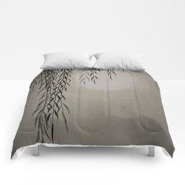 Willow in the moonlight Comforters