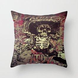 Art street, Napoli 4 Throw Pillow