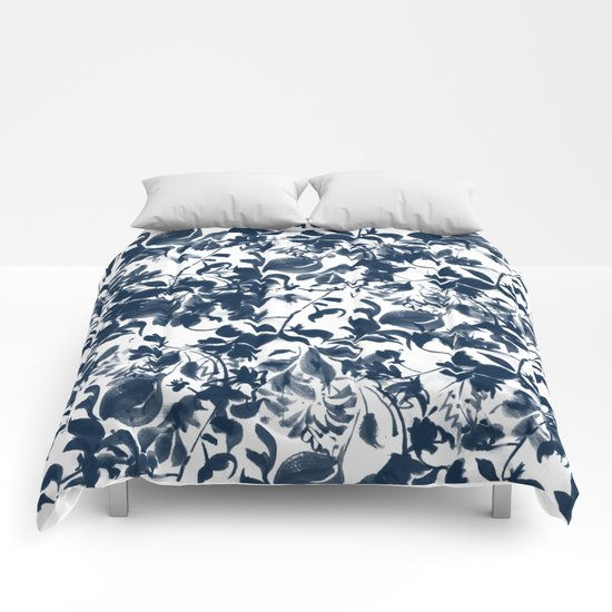 Abstract pattern 2 Comforters
