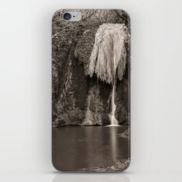 Marmore waterfalls in black and white iPhone Skin