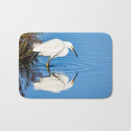 Snowy Egret Reflection at Bolsa Chica Ecological Reserve in Huntington Beach, California Bath Mat
