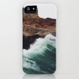 Montaña Wave iPhone Case