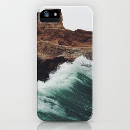 Montaña Wave iPhone Case