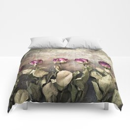 Five dried roses Comforters