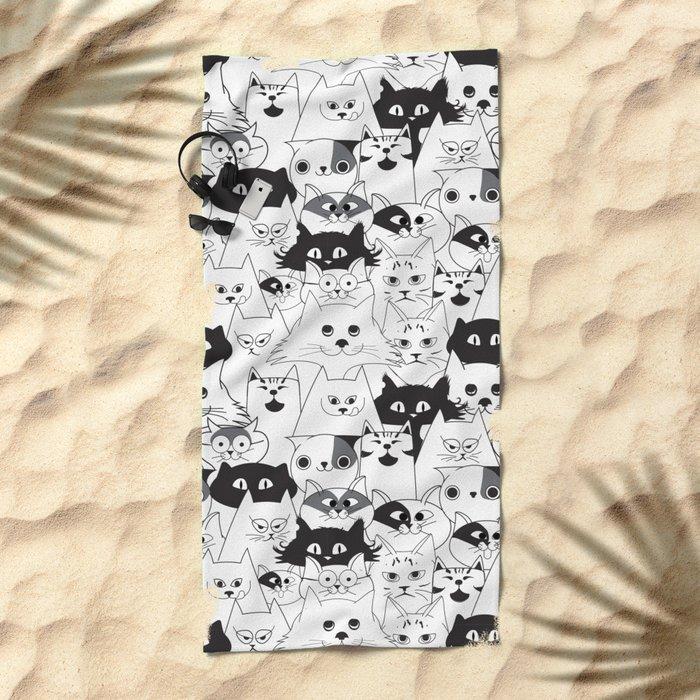 Gatuno world Beach Towel