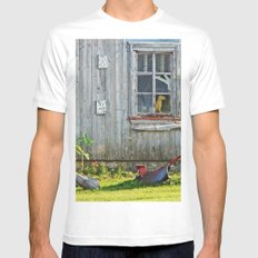 Barn Dog watches over the tomatoes MEDIUM White Mens Fitted Tee