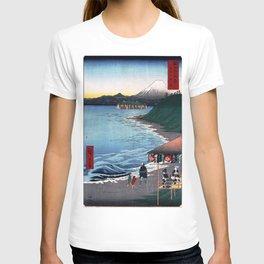 Hiroshige - 36 Views of Mount Fuji (1858) - 19: The Seven Ri Beach in Sagami Province T-shirt